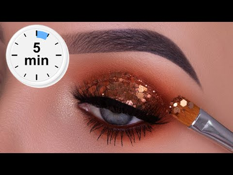 5 MINUTE New Year's Eve Glitter Eye Makeup Tutorial