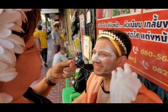 "STREET FACE THREADING in CHINATOWN 🇹🇭 Bangkok Thailand ""Boonyuen Threading Salon"""